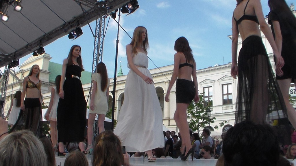 Warsaw Fashion21