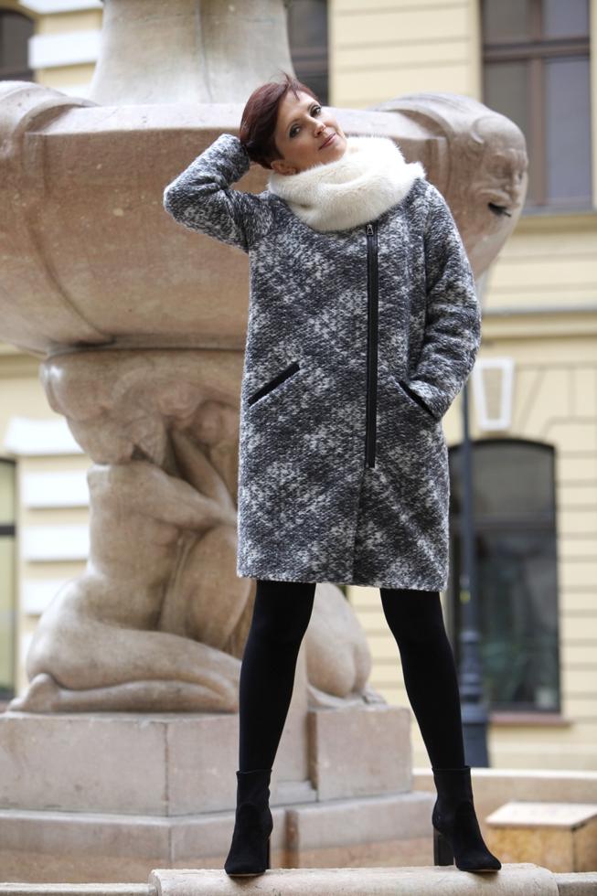 Luiza - płaszcz - fontanna