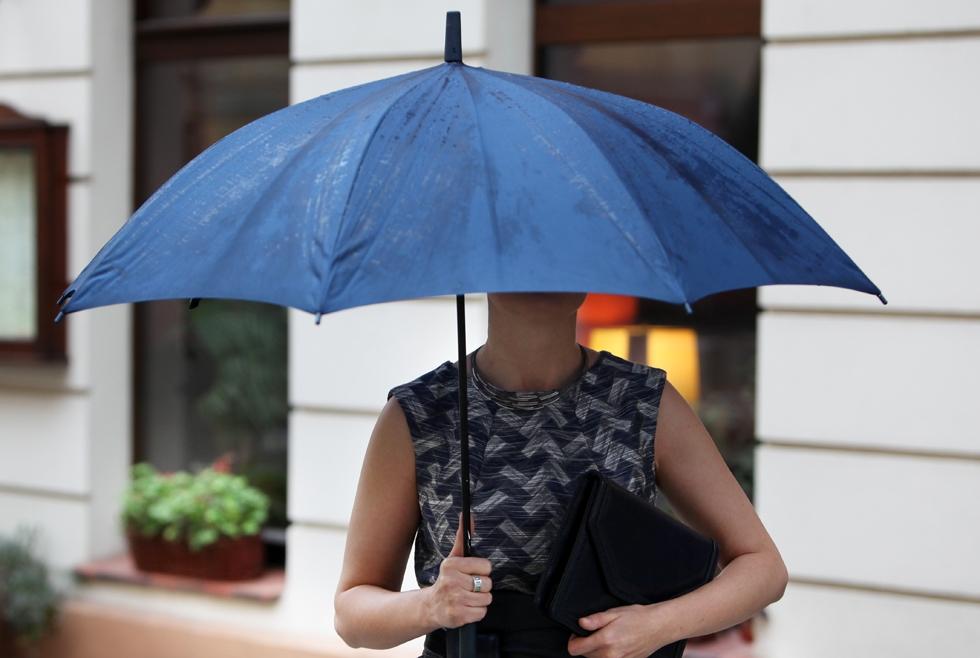 Luiza - z parasolem