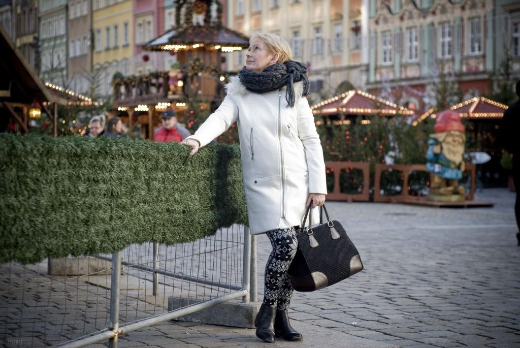 biały płaszcz3