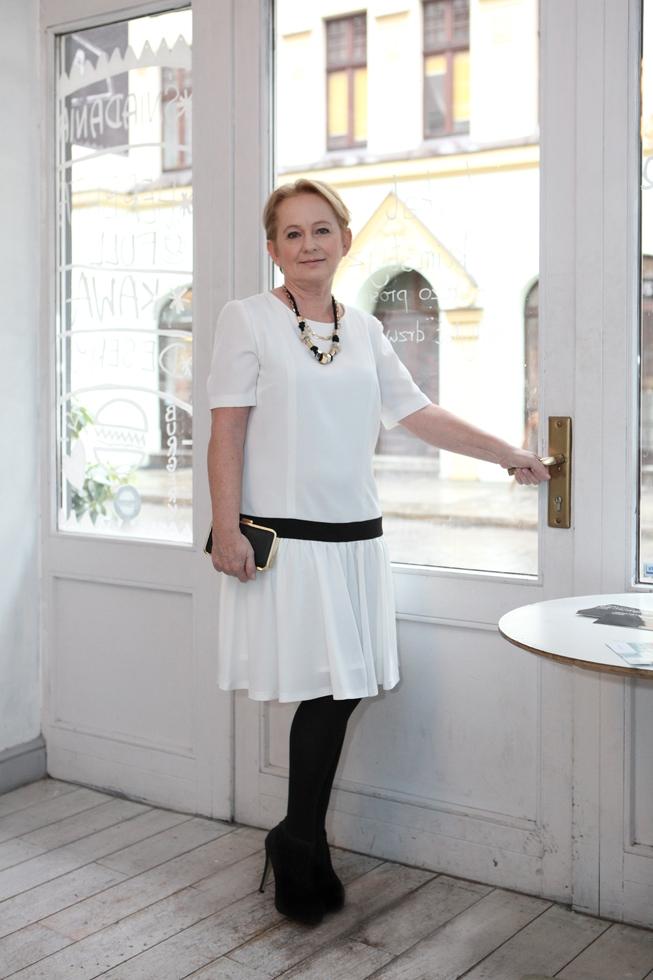 biała sukienka4
