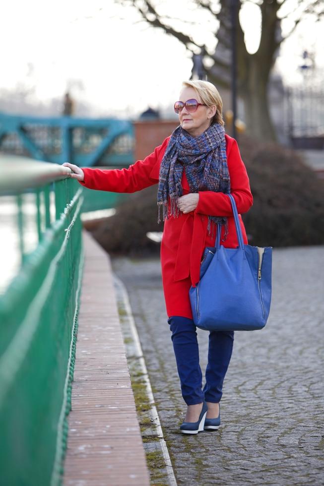 czerwony płaszcz4